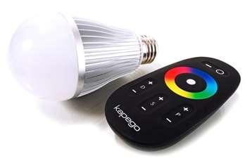 LED Lampe 6W E27 WWCW RF Silber  Die RF Serie von KAPEGO ist eine Funklösung für effektvolle Wohnraum- und Outdoorbeleuchtung. Mit den Komponenten bieten sich viele Möglichkeiten, um individuelle Projekte zu realisieren. Mit der optional erhältlic