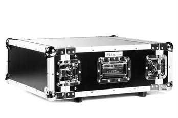 4 HE Case, Double Door mit Schrauben  Für den sicheren Transport von Endstufen, Dimmerpacks und allen weiteren 19 Zoll Einbaufähigen Geräten mit einer Einbautiefe von weniger als 48cm ist das Case von Flyht Pro für jeden geeignet. Durch die Rac