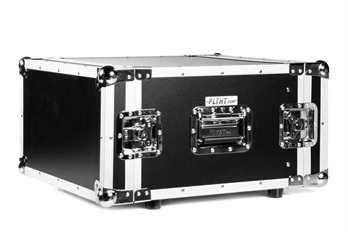 6HE Case, Double Door mit Schrauben  Für den sicheren Transport von Endstufen, Dimmerpacks und allen weiteren 19 Zoll Einbaufähigen Geräten mit einer Einbautiefe von weniger als 48cm ist das Case von Flyht Pro für jeden geeignet. Durch die Rack