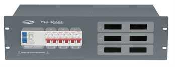 PSA-32A6C mit Volt und Ampere Anzeige  Von der Showtec PSA Stromverteilerserie, der 32 Ampere Verteiler mit 1x 32 Ampere CEE Eingang an der Rückseite mit 1,5 Meter Kabel auf eine Verteilung von 6x 16 Ampere CEE weiblich. Schützen Sie Ihr Equipmen
